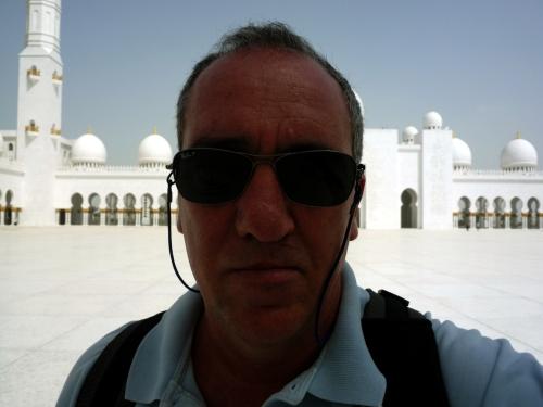 Paulo na Mesquita Sheikh Zayed