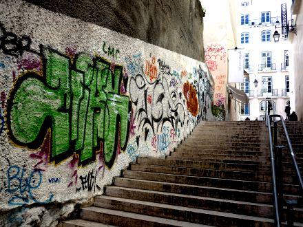 Caminhando por Lisboa - Grafite
